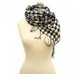 Завязать платок на шее
