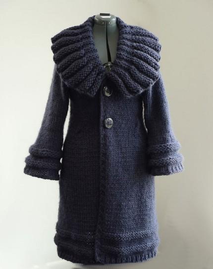 Вязаное пальто женское