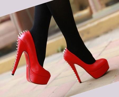 Туфли На Каблуке С Шипами