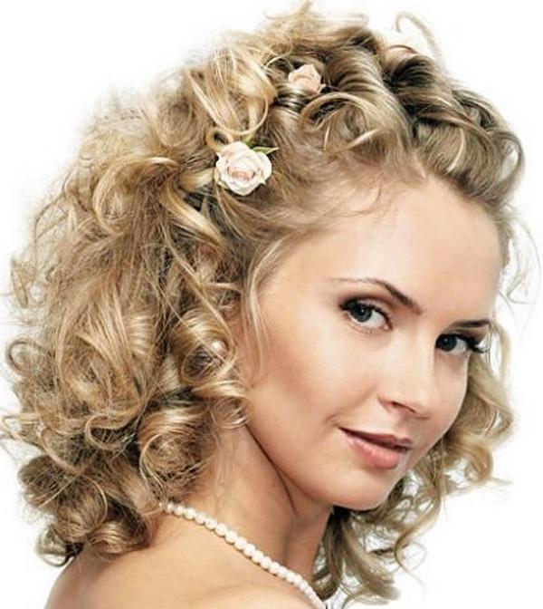 Накрученные и собранные в прическу волосы 13