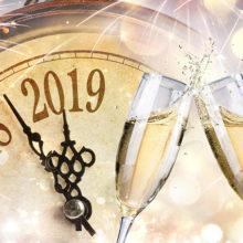 Почему не стоит пить шампанское с пеплом на Новый год?