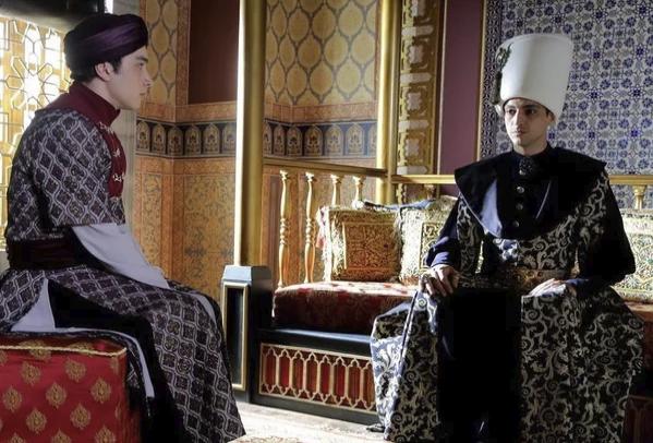 Осман и Мехмед перед казнью последнего. Мехмед сидит слева.