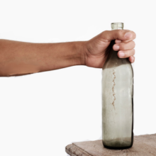 Почему нельзя оставлять пустую бутылку на столе?