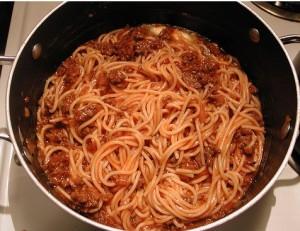 спагетти с кетчупом