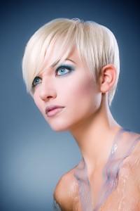 макияж для голубых глаз блондинок фото