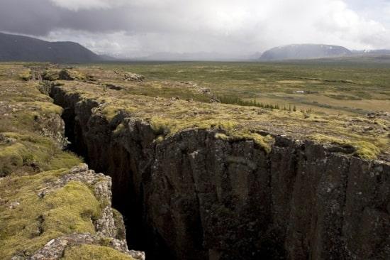 Разлом тектонической плиты в Исландии