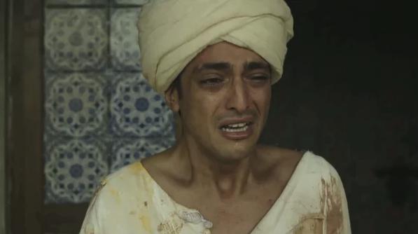 Таким мы видим несчастного султана перед его убийством.