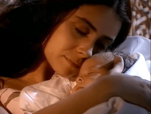 Жади с новорожденной Хадижей