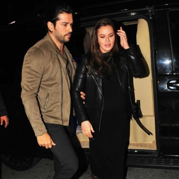 Фахрие Эвджен со своим супругом за несколько дней до родов