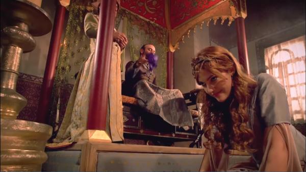 Хюррем получает фиолетовый платок