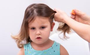 Почему нельзя причёсывать ребёнка посторонним людям?