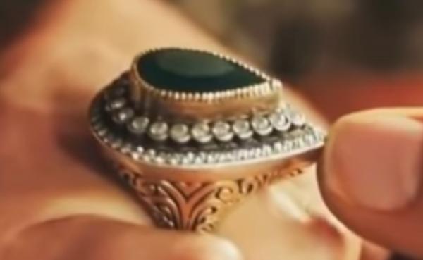 Кольцо на пальце Сафие-султан